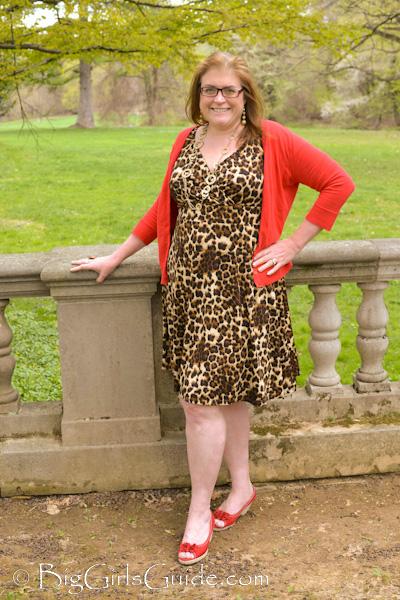 plus size women and wear leopard
