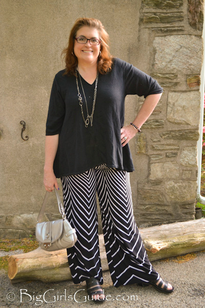 casual plus size blogger Sherry Aikens